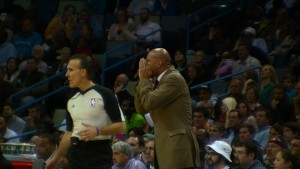Monty Williams and Ref