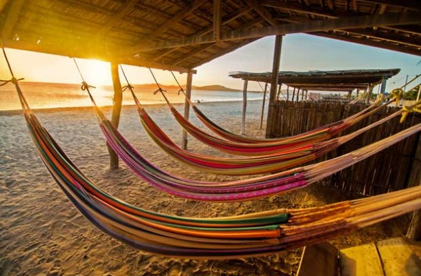 Colombia_beach_Hammock_620[1]
