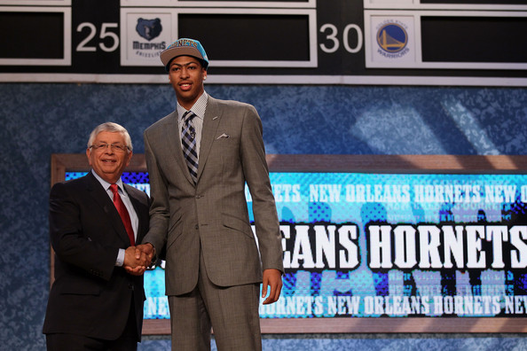 Anthony+Davis+David+Stern+2012+NBA+Draft+JAtoRc9MVAjl[1]