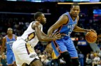kevin-durant-tyreke-evans-nba-oklahoma-city-thunder-new-orleans-pelicans-850x560